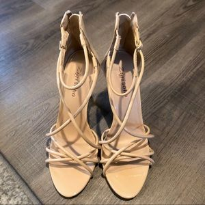 New Woman's ZigiSoho heels size 8